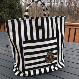 Gucci Front Pocket Striped Shopping tote
